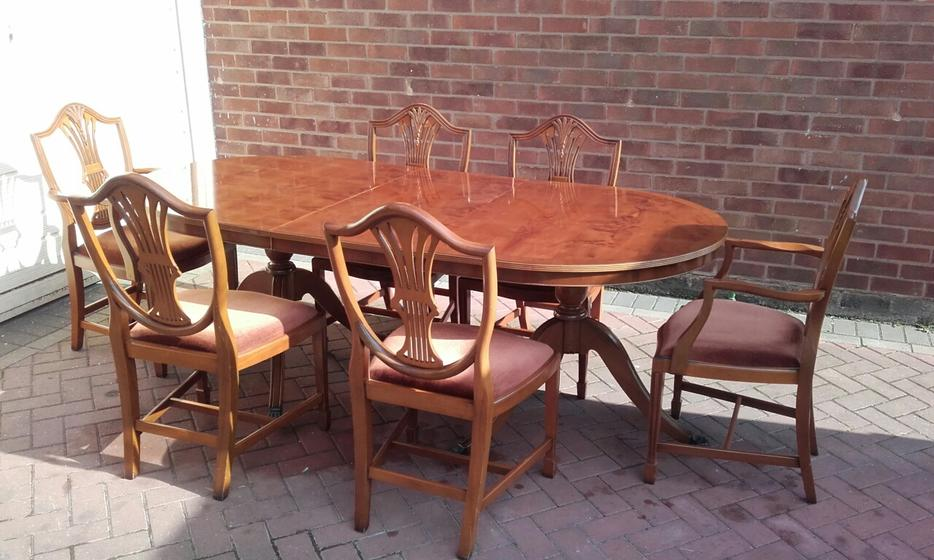 Yew Wood Dining Table amp Chairs WALSALL Dudley MOBILE : 105431098934 from www.useddudley.co.uk size 934 x 560 jpeg 83kB