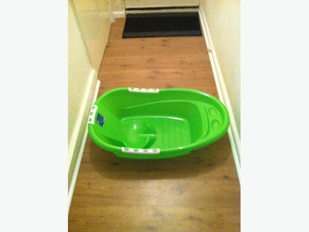 green baby bath