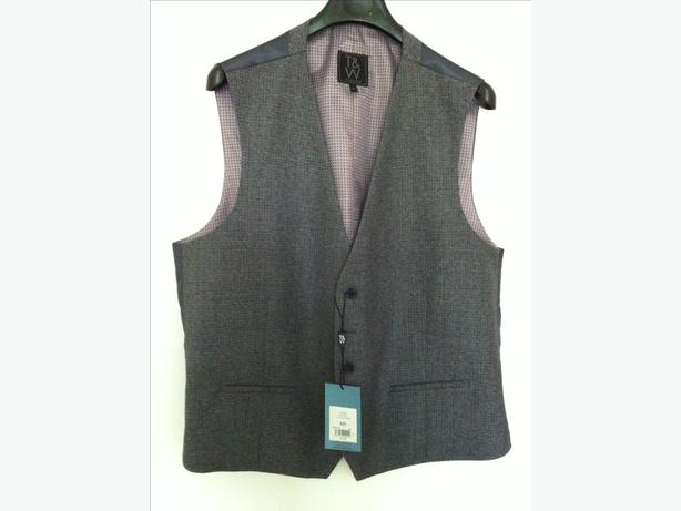 Man's waistcoat - size XL- BNWT