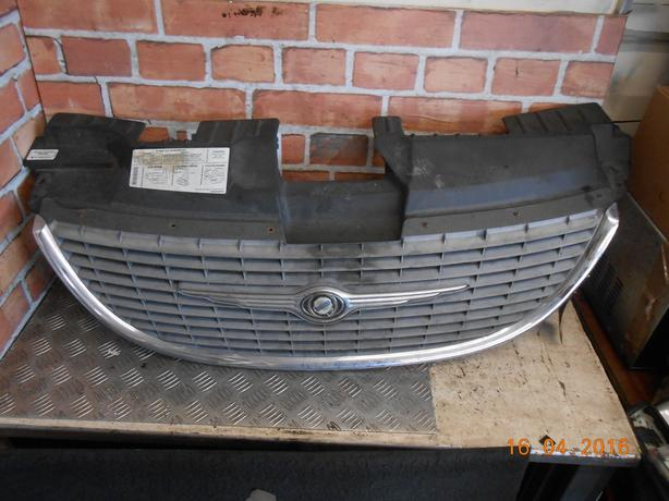 CHRYSLER VOYAGER 2001 FRONT AIR INTAKE BUMPER GRILL 4857522