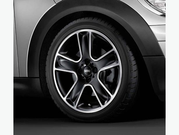 WANTED: MINI WHEELS IN BLACK - CASH WAITING