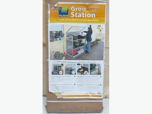 Palram Grow Station