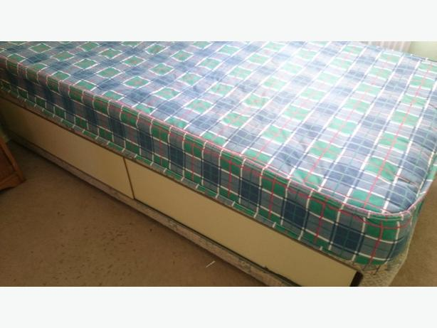 Single divan with mattress and draws for storage walsall for Single divan with mattress and storage