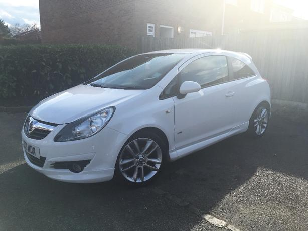 Vauxhall Corsa 1.4 SXI (factory body kit)