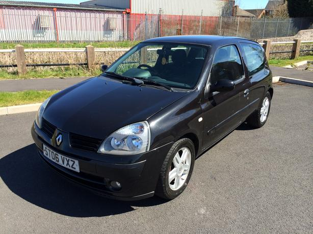 2006 renault clio 1 2 campus sport petrol manual long mot wolverhampton dudley. Black Bedroom Furniture Sets. Home Design Ideas