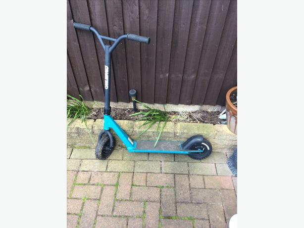 Razor dirt scooter