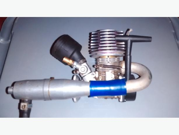 THUNDER TIGER 21R PRO ENGINE WITH AIR FILTER & PULL STARTER WITH EXHAUST