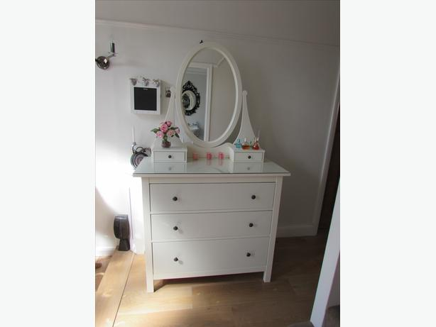 Ikea hemnes chest of drawers dressing table dudley for Ikea dressing table hemnes