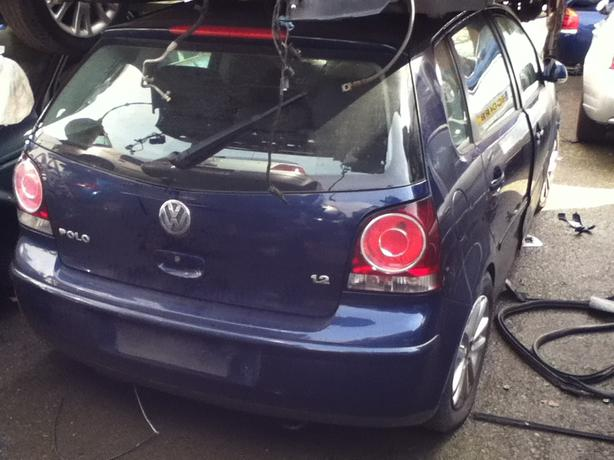 VW VOLKSWAGEN POLO 2008 BLUE BREAKING FOR SPARES!!