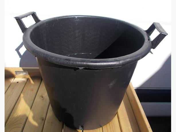 30L Garden Pot with 2 Handles Black Bramoplast
