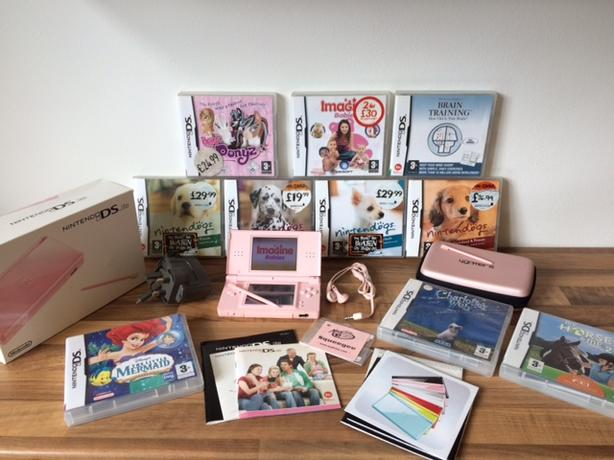 pink nintendo ds lite with nintendogs bundle and more girls bundle wednesbury sandwell. Black Bedroom Furniture Sets. Home Design Ideas