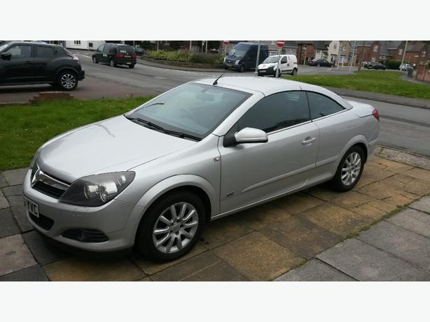 vauxhall astra twintop 1 8 petrol sport px welcome wolverhampton dudley. Black Bedroom Furniture Sets. Home Design Ideas
