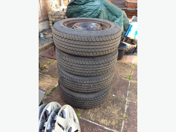 4 wheels/tyres