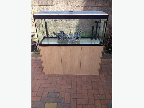 fish tank fluval roma 240 litres tipton sandwell. Black Bedroom Furniture Sets. Home Design Ideas