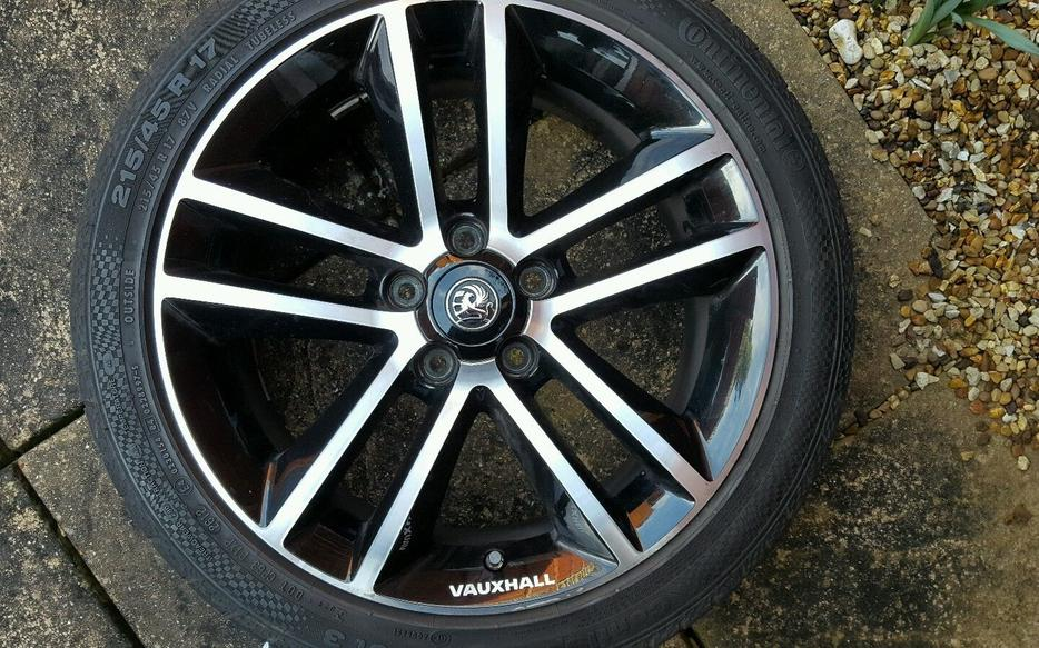 Vauxhall corsa d black limited edition 17 inch alloy wheel for 17 inch d window wheels