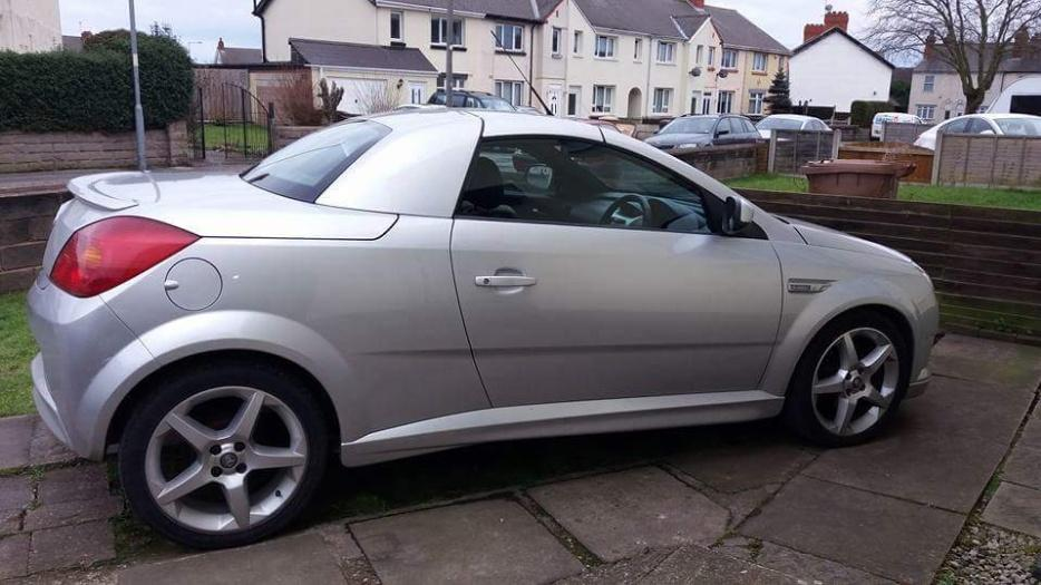 vauxhall tigra convertible willenhall dudley. Black Bedroom Furniture Sets. Home Design Ideas