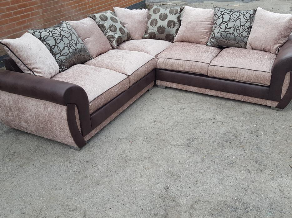 brand new large beige and brown corner sofa 2 corner 2 can deliver sandwell dudley. Black Bedroom Furniture Sets. Home Design Ideas