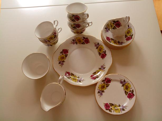 TEA SET - GAINSBOROUGH BONE CHINA