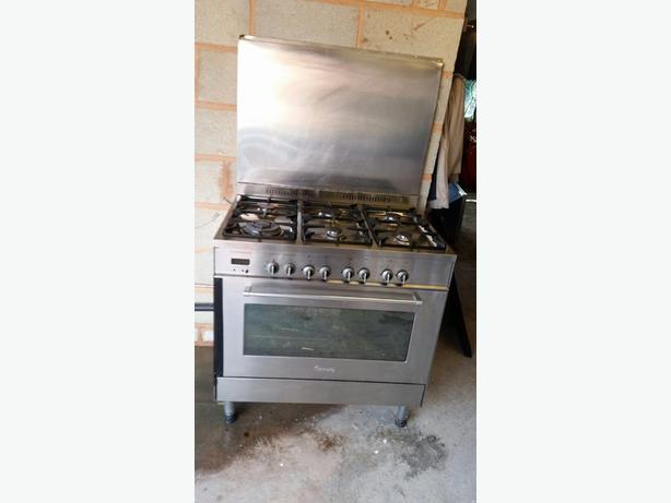 Delonghi gas cooker..Bargain!!!!