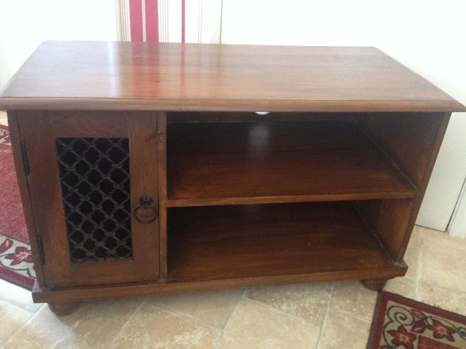 solid tv stand for sale dudley dudley. Black Bedroom Furniture Sets. Home Design Ideas