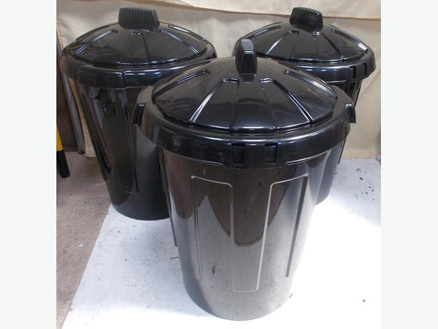 Set of 3 80L Dustbin Black With Lid  Colour - Black Set of 3 80L