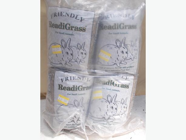 Joblot of 4 Friendly Readi Grass