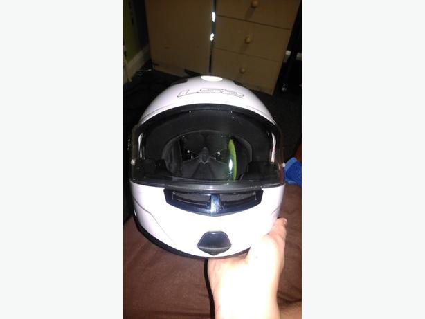 size M motorbike helmet
