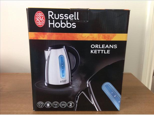 RUSSELL HOBBS KETTLE - UNWANTED GIFT - NEW