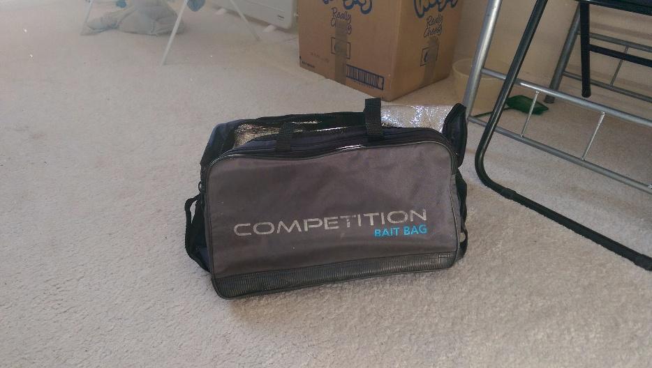 Preston competition luggage outside black country region for Tap tap fish corgi