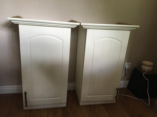 2x soft close wall units