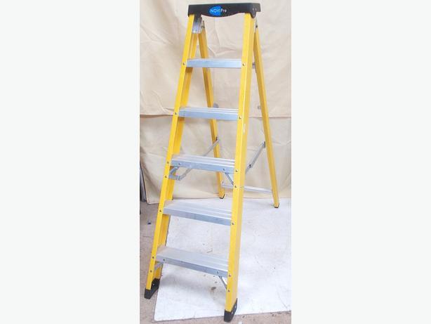 6 Tread Fibre Glass Swing Back Ladders WALSALL, Walsall