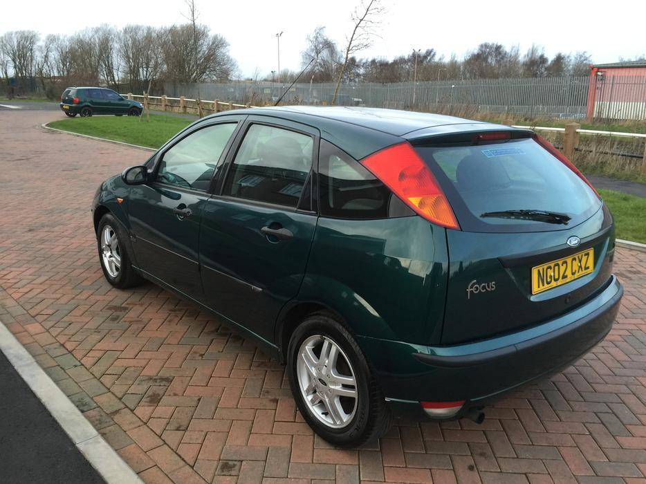 2002 Ford Focus 1 6 Zetec Petrol Manual 5 Dr Green Drives