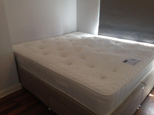 Queen size divan bed walsall wolverhampton for Queen size divan