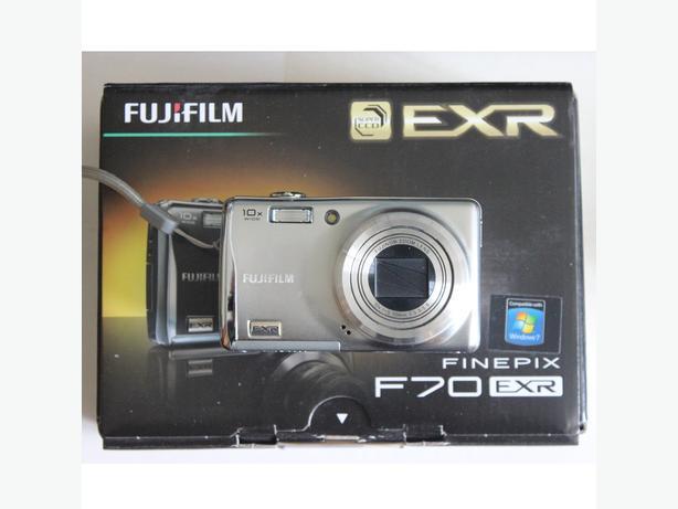 Fuji compact digital camera F70EXR