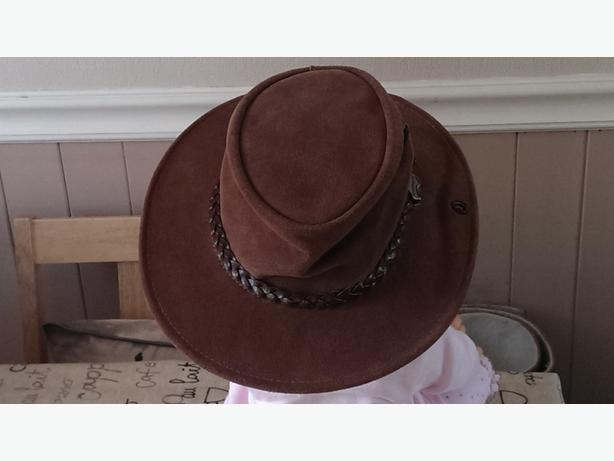 CHILDRENS LEATHER HATS