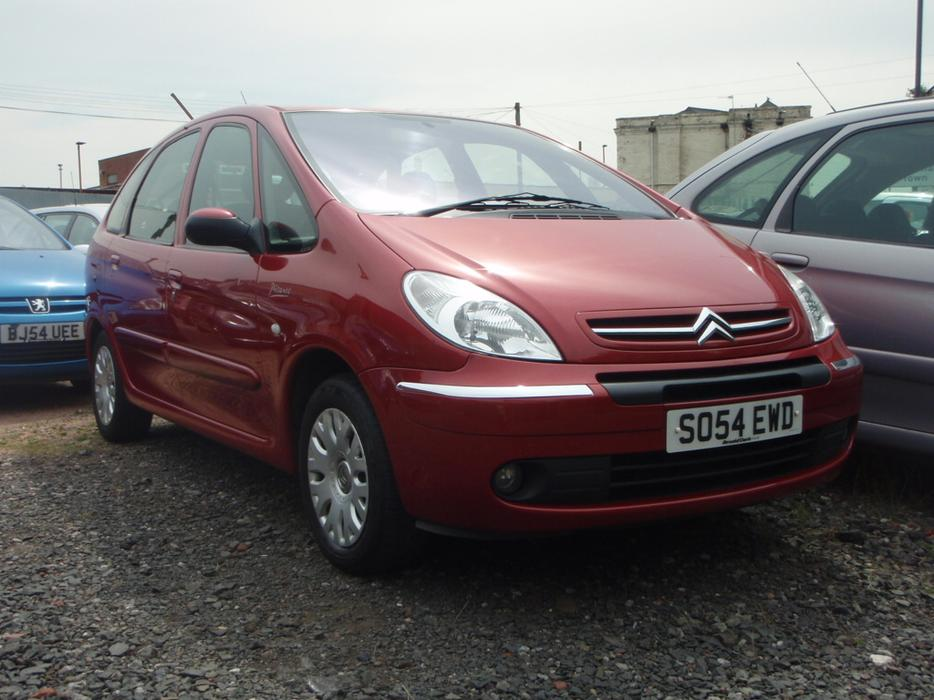 citroen xsara picasso 1 6 hdi desire 5dr willenhall. Black Bedroom Furniture Sets. Home Design Ideas