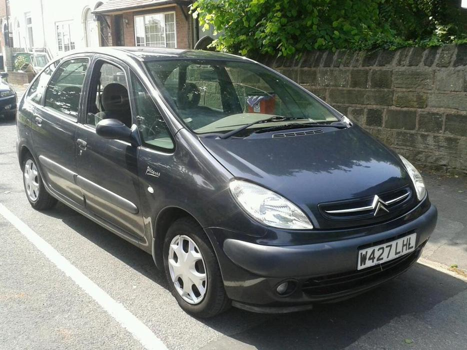 citroen xsara picasso 2 0 sx hdi mot until 15 july 2016 start perfect dudley sandwell. Black Bedroom Furniture Sets. Home Design Ideas