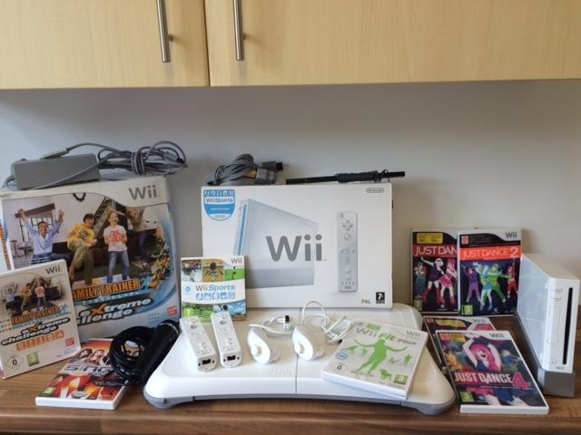 Big Wii Console Bundle Wednesbury Wolverhampton