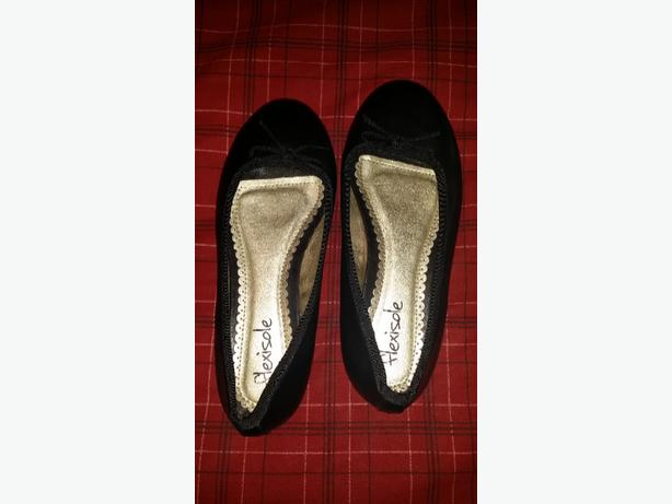 ladies New size 6 dolly shoes