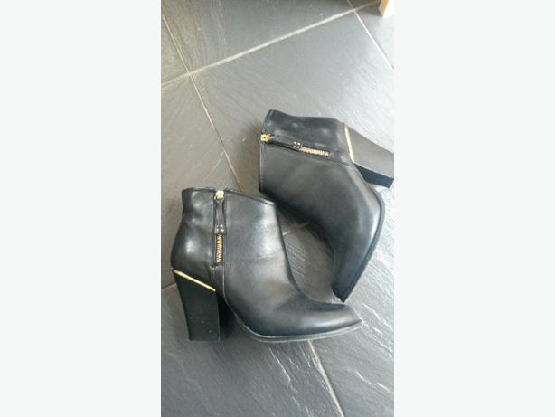 size 6 black river island boots