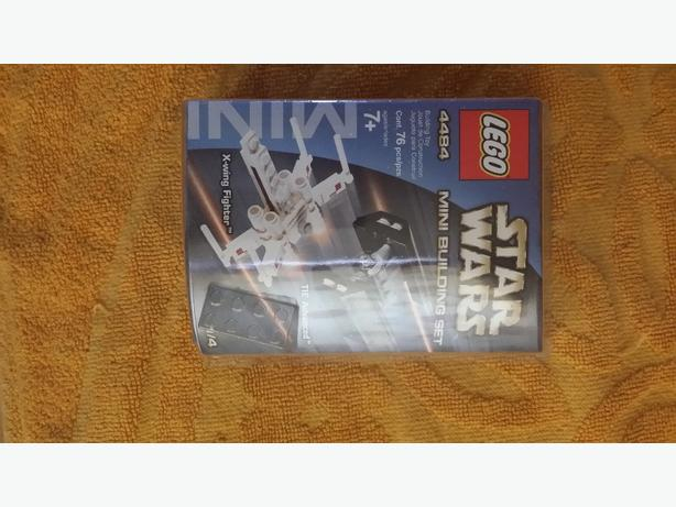 Star Wars mini building lego set. X-Wing Fighter.