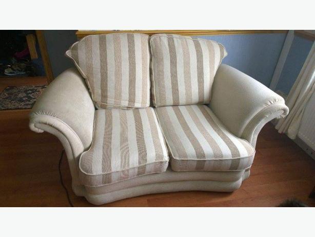 2x2 seater sofa and arm chair wolverhampton wolverhampton. Black Bedroom Furniture Sets. Home Design Ideas