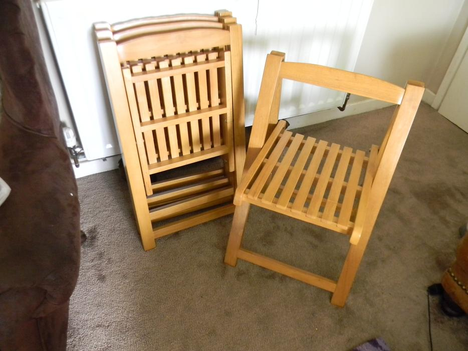 4 folding chairs solid wood good quality excellent for Good quality folding chairs