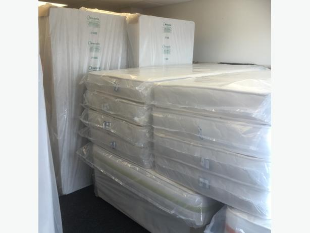 QUALITY SINGLE BEDS- divan bed base and mattress included