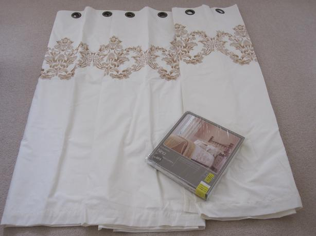 Curtains (2 pairs)