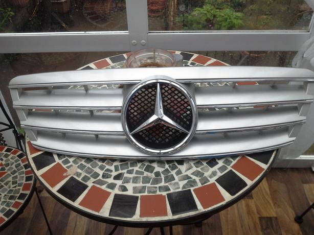 Mercedes sports grille