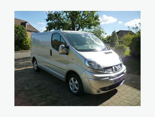 Renault Trafic Sport £3500