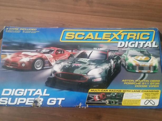 Scalextric Digital Super Gt Set  Cars
