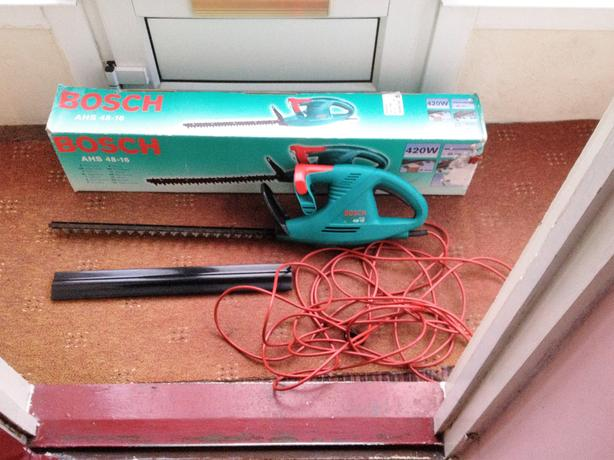 Bosch hedge cutter AHS 48 - 16 . nice condition