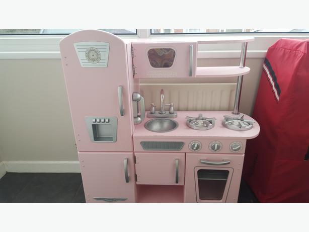 wooden pink play kitchen kidkfraft kingswinford dudley. Black Bedroom Furniture Sets. Home Design Ideas